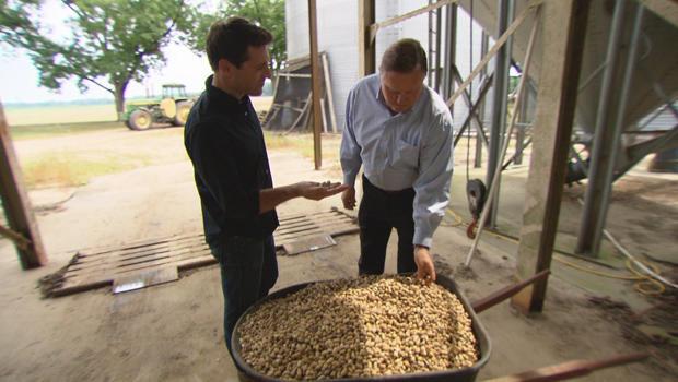 tony-dokoupil-with-bob-parker-president-of-the-national-peanut-board-620.jpg